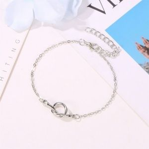 Dainty Knot Bracelet